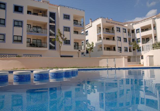 Magnificos apartamentos. Aire acondcionado, TV. Plasma 200 mts. playa desde 76 € x dia. Fines de semana Consultar