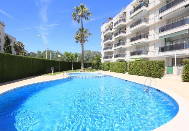 Apartamento en Cambrils - Apartamento con piscina a230 mde la playa