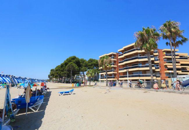Apartamento en Cambrils - Apartamento de 2 dormitorios a10 mde la playa