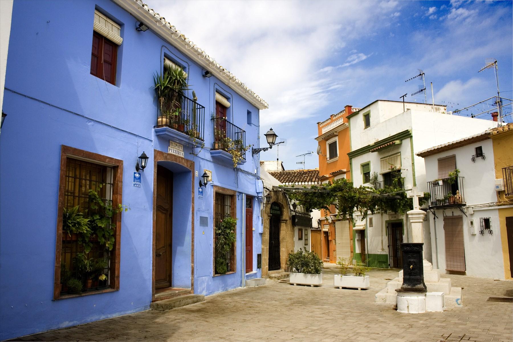 Villas en denia 039 villa olivar for Vacaciones en villas con piscina