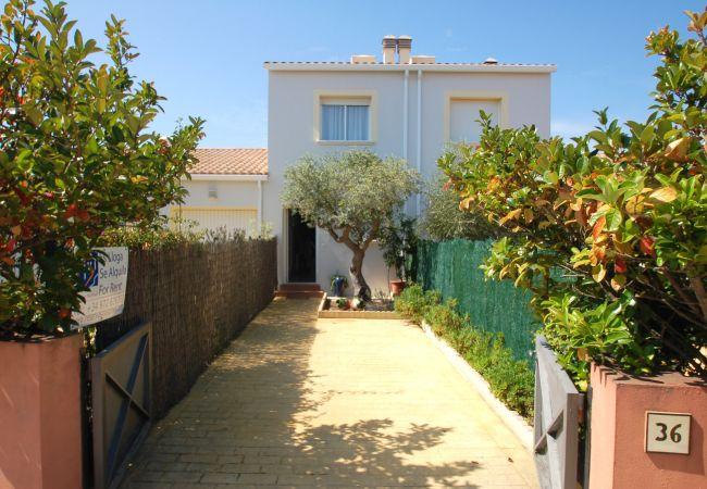 Casa en Torroella de Montgri - Casa de 2 dormitorios a250 mde la playa