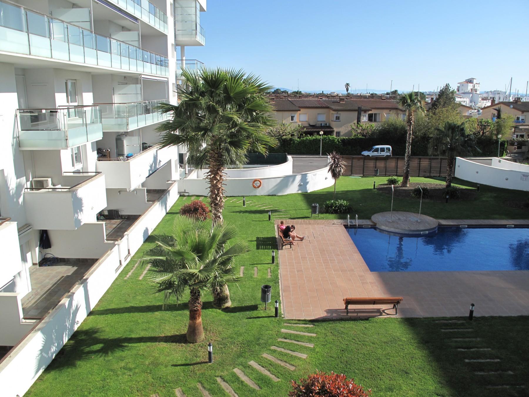 Apartamentos en rosas roses porto marina218 - Apartamentos playa baratos vacaciones ...